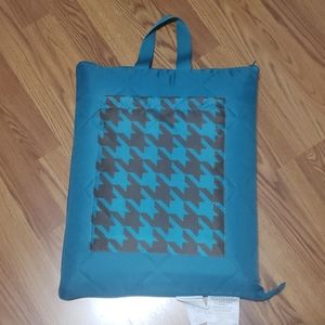 NWOT houndstooth picnic blanket in bag
